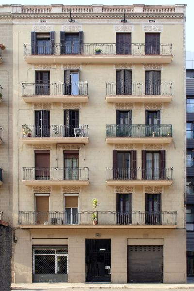 ESTUDI D'ARQUITECTURA JJ BERNABEU: Rehabilitación de fachada C/Aragó, Barcelona