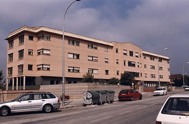 AMOROS ARQUITECTES: 011C-RESIDENCIA DE ANCIANOS EN FIGUERES