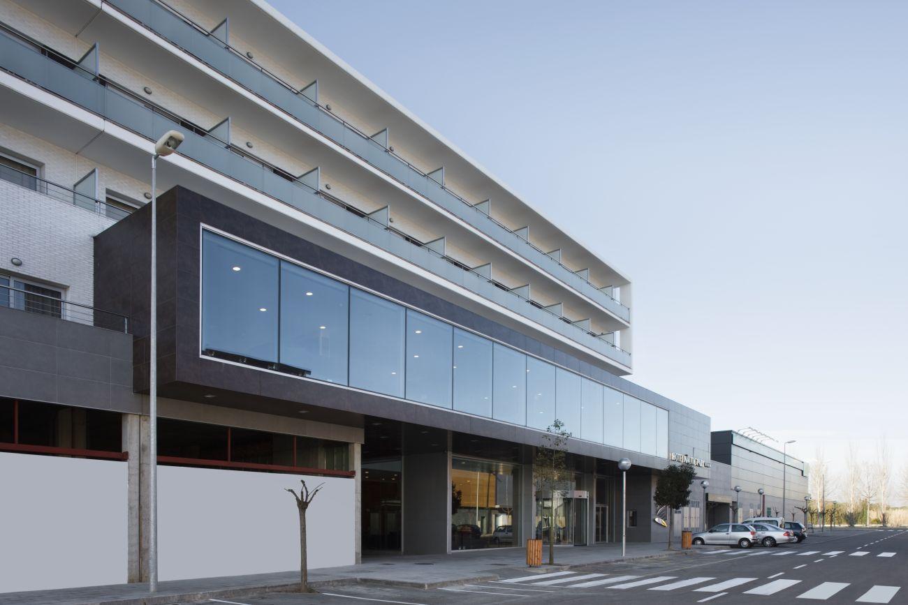 ADEMÀ CANELA COMELLA Arquitectes Associats S.L.P: Hotel de 4 estrellas en Platja d'Aro