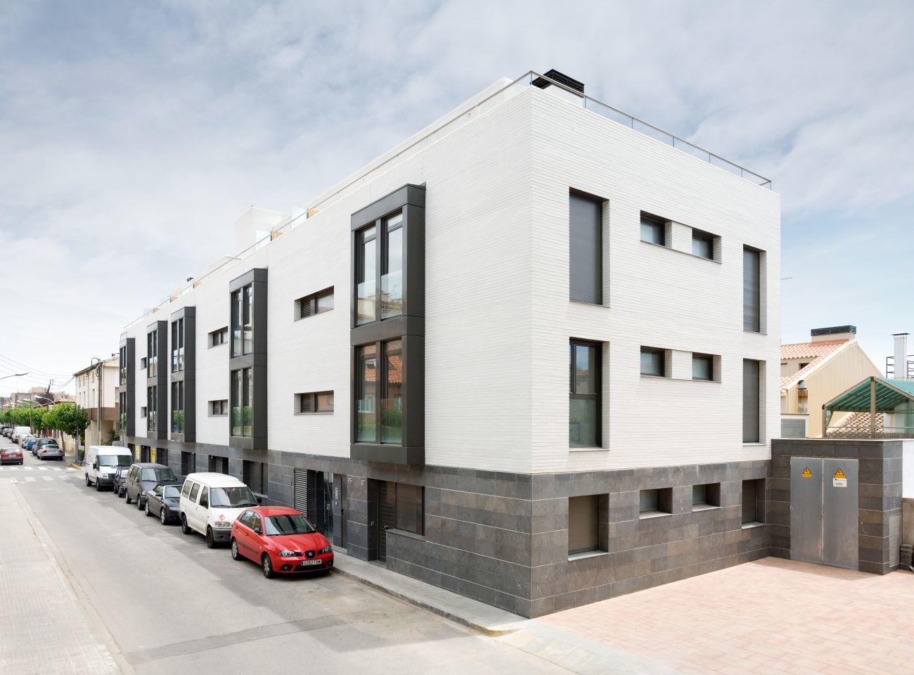 ADEMÀ CANELA COMELLA Arquitectes Associats S.L.P: Edificio plurifamiliar en Vilassar de Mar