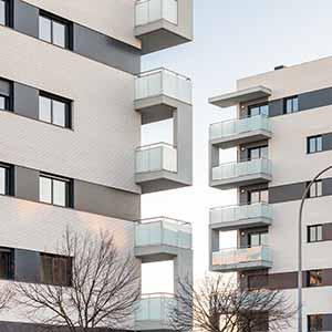 ADEMÀ CANELA COMELLA Arquitectes Associats S.L.P: Conjunto de edificios Migdia Homes