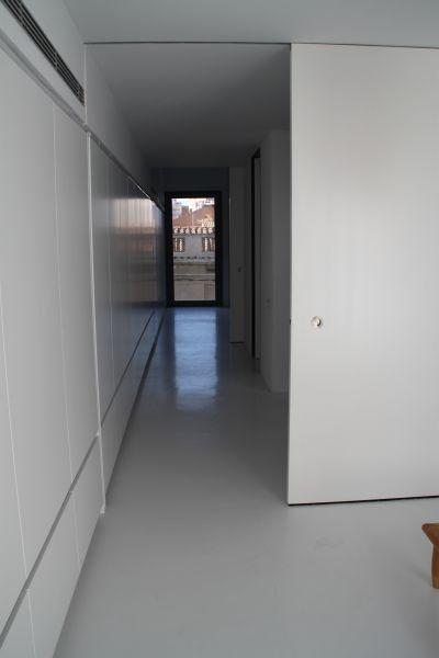 PAVINDUS, S.A.: Pavimento cemetonso Pavikrete (microcemento)