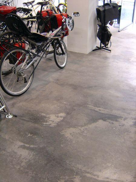 PAVINDUS, S.A.: Pavimento autonivelante cementoso