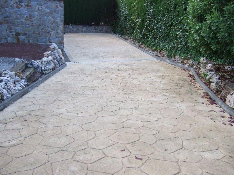 PAVINDUS, S.A.: Pavimento cementoso estampado