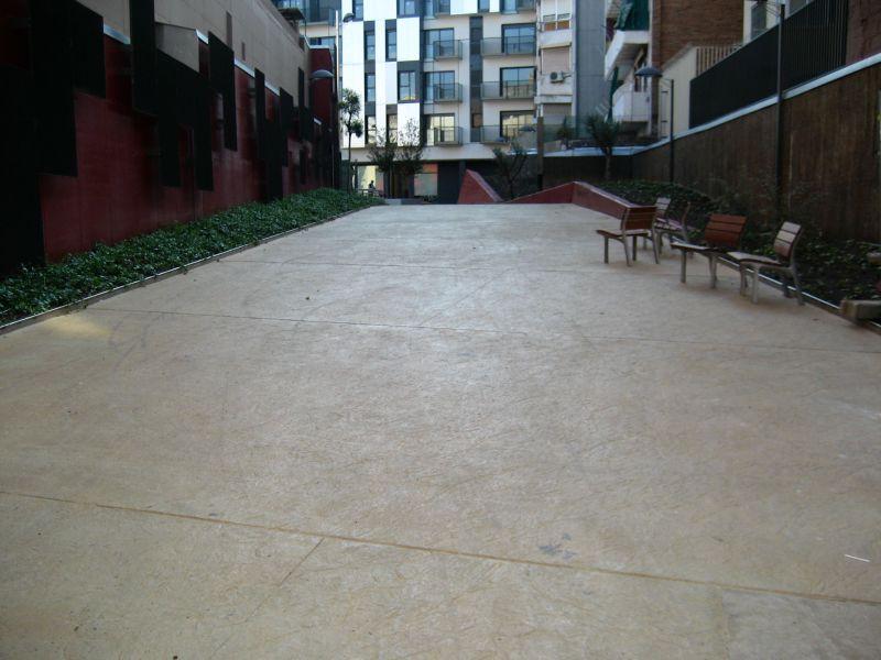 PAVINDUS, S.A.: Pavimento cementoso ruleteado